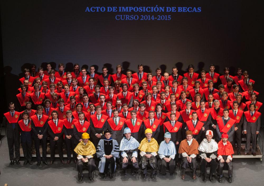 Por primera vez desfiló una representación del Claustro Académico de Belagua