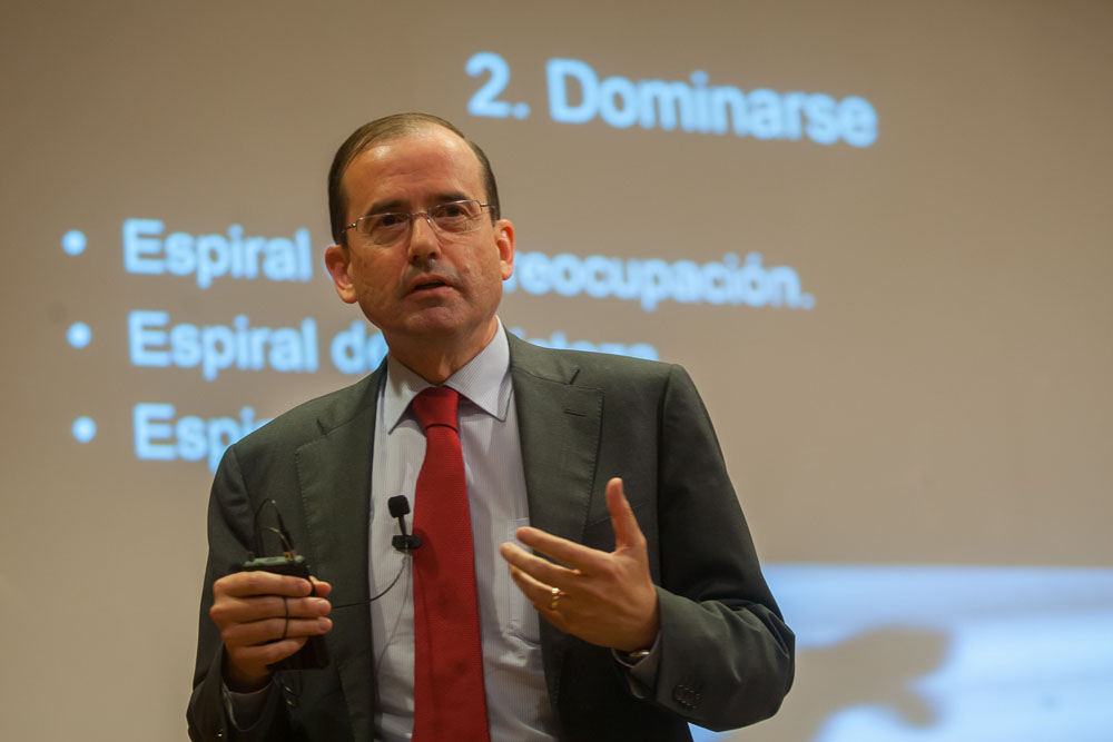 Alfonso Aguiló Pastrana. Colegio Mayor Belagua. Pamplona